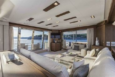thumbnail photo 2: 2013 Ferretti Yachts Custom Line 100