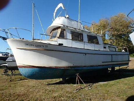 1975 Marine Trader 34 Double Cabin