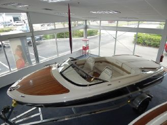 2014 Chris Craft Capri