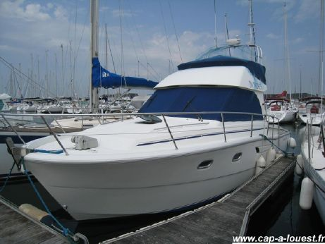 1994 Beneteau ANTARES 905 Fly twin engines