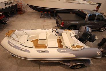 2016 Zodiac Yachtline 470DL NEO 90hp In Stock