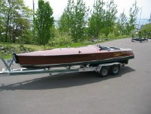 1997 Hacker Race Boat