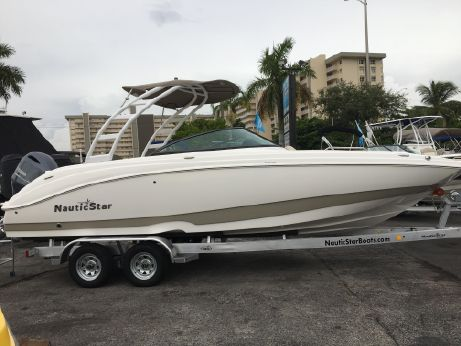 2018 Nautic Star 243 DC