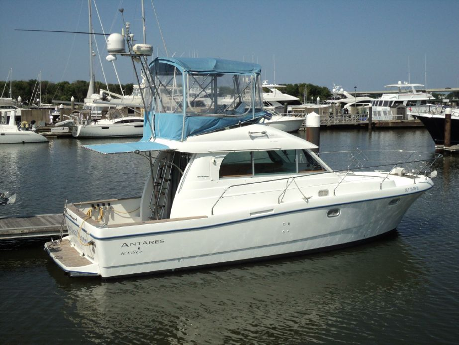 2005 Beneteau Antares 10 80 Power Boat For Sale Www Yachtworld Com