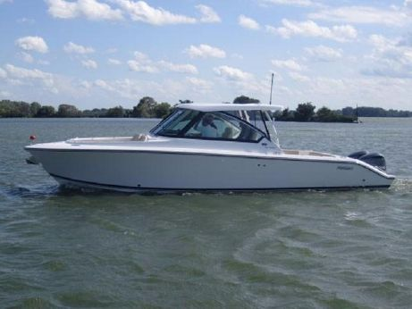 2015 Pursuit 325 Dual Console