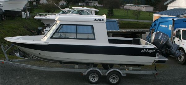 22 ft 2010 jetcraft 2225 discovery hard top