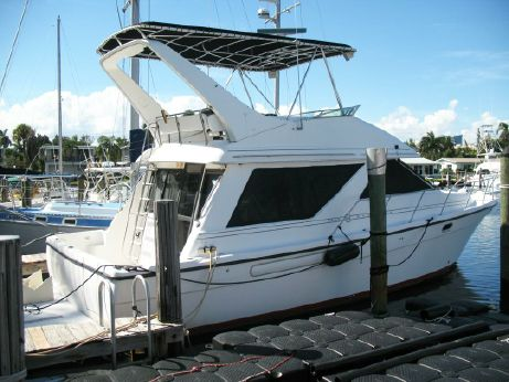 1995 Bayliner 3988 Command Bridge Motoryacht