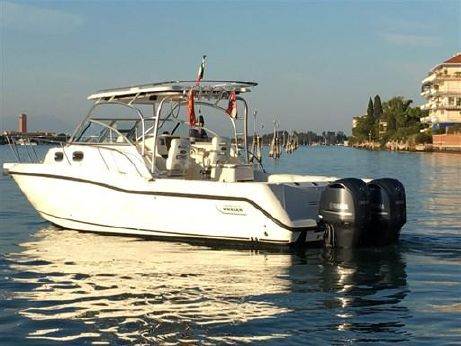 2008 Boston Whaler Boston 305 Conquest