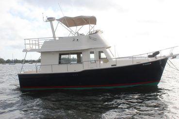 thumbnail photo 2: 2005 Mainship 34 Trawler