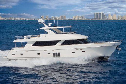 2014 Ocean Alexander 85