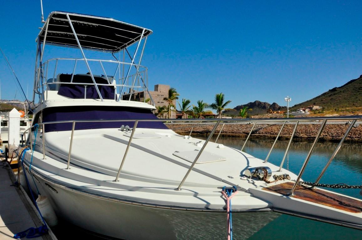 33' Trojan Gas+Boat for sale!