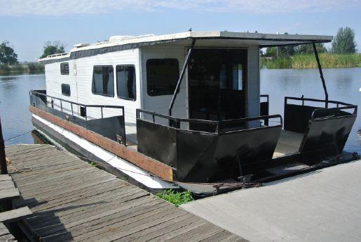 1982 Masterfab 47' Houseboat