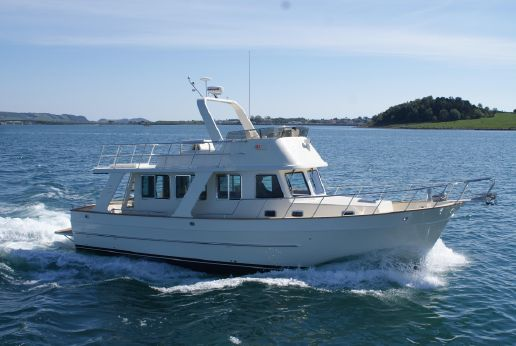 2017 Explorer Motor Yachts 43 Sedan