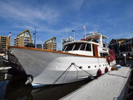 1981 Motor Yacht 52ft with London mooring