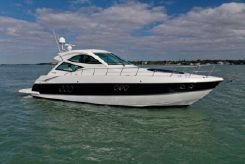 2012 Cruisers Yachts 540 Coupe