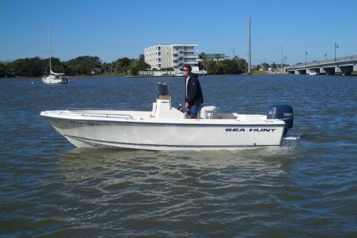 2002 Sea Hunt Triton 200