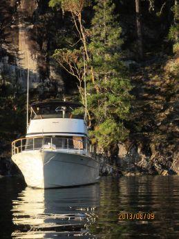 1977 Tollycraft 48 Cockpit Motor Yacht