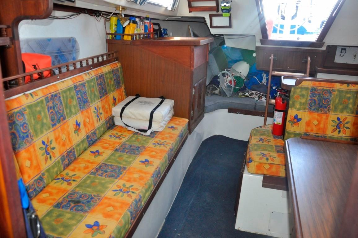 30' Catalina 30+Photo 17