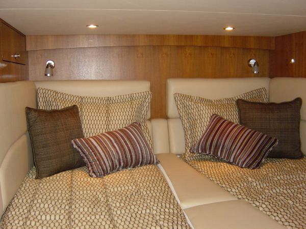 Photo of Tiara 4500 Sovran Guest Stateroom