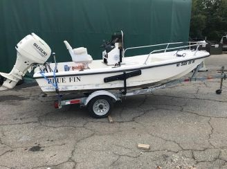 1998 Bluefin 13' CENTER CONSOLE