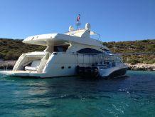 2005 Ferretti Yachts 830 Motor Yacht