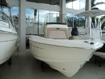 2014 Scout Boats 210 XSF
