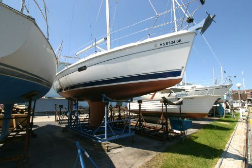 2003 Hunter Marine 326