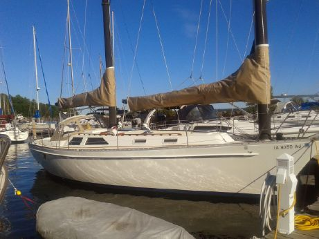 1983 Freedom 39 Express Cat Ketch