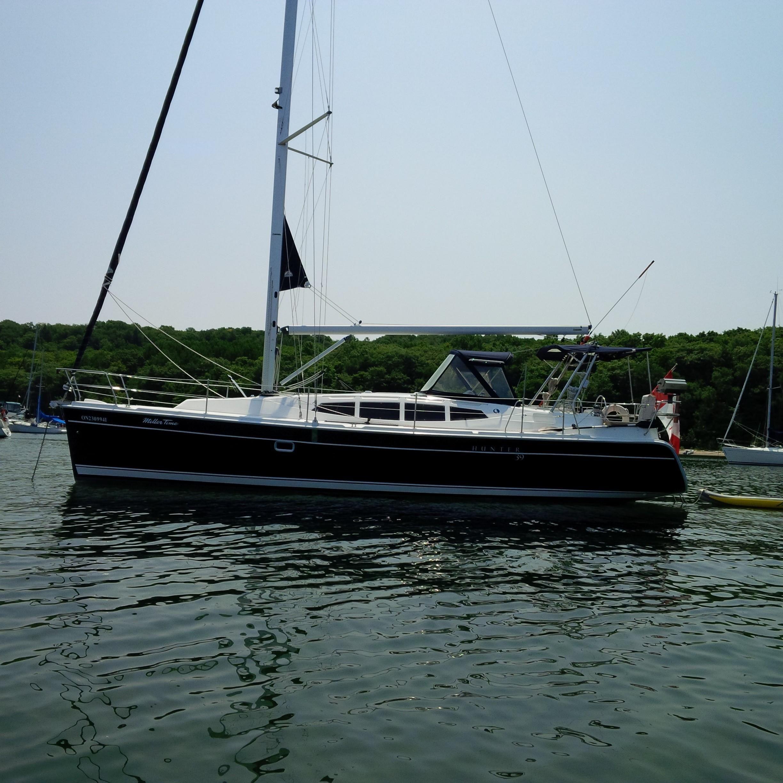 2010 Hunter 39 Sail Boat For Sale