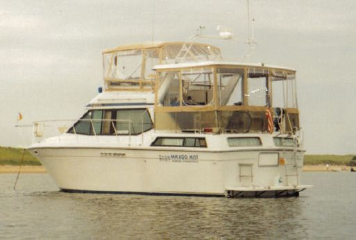 1988 Chris-Craft Catalina 372