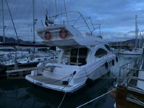2008 Gulf Craft Majesty 44 fly
