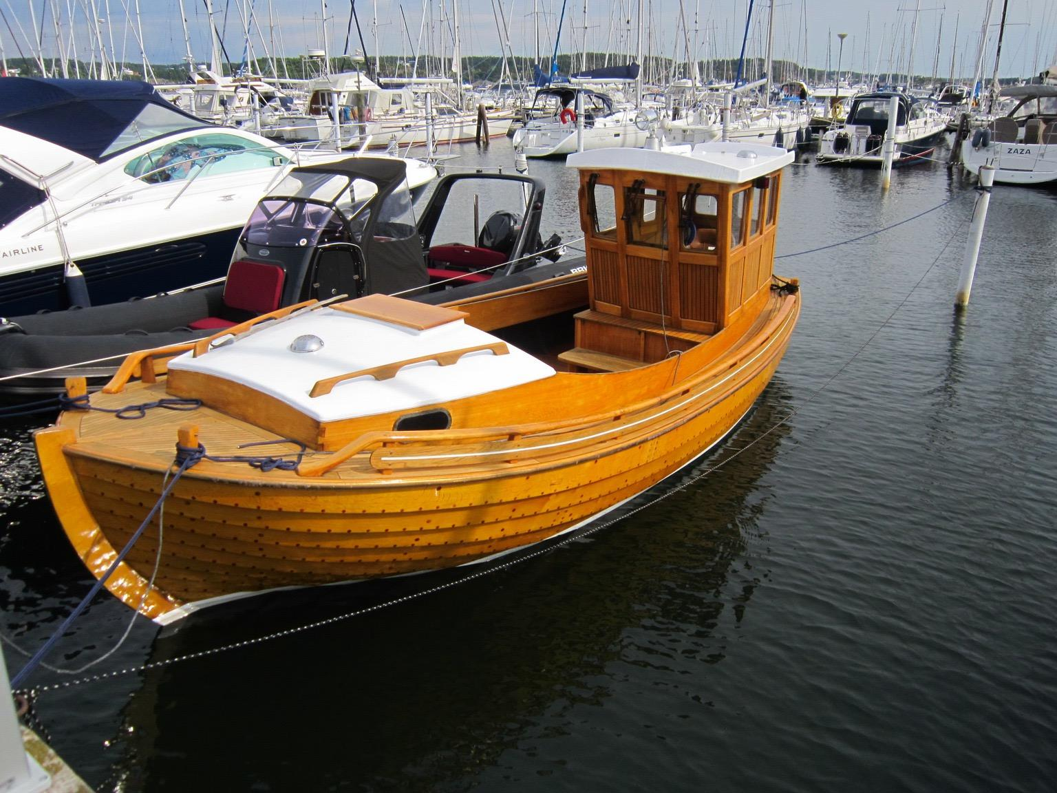 """1995 Traditional Swedish """"Julle"""" Wooden Boat Power Boat ..."""