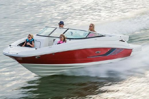 2015 Sea Ray 220 Sundeck
