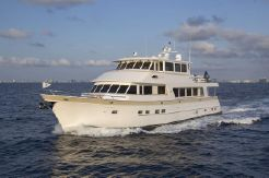 2017 Outer Reef Yachts 860 Deluxbridge Skylounge