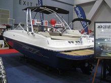 2015 Bayliner 195 Deckboat