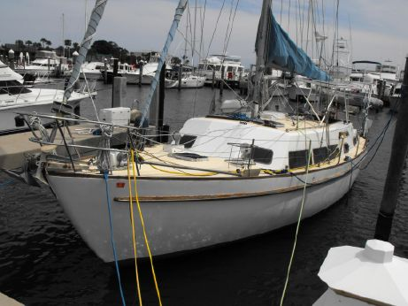 1977 Cal 46 Double Headstay Sloop 3-46