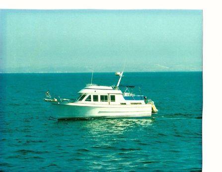 1984 Ocean Alexander 38 Double Cabin