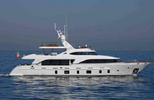 2009 Benetti Tradition 105'