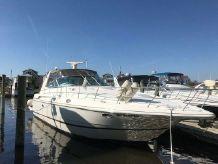 2000 Cruisers Yachts 3870