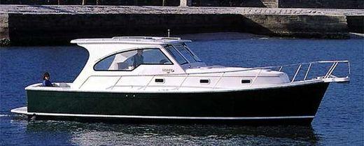 2002 Mainship Pilot 34 Sedan