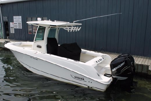 2013 Boston Whaler 250 Outrage