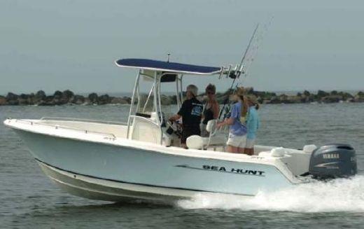 2007 Sea Hunt Triton 220 w/ Trailer