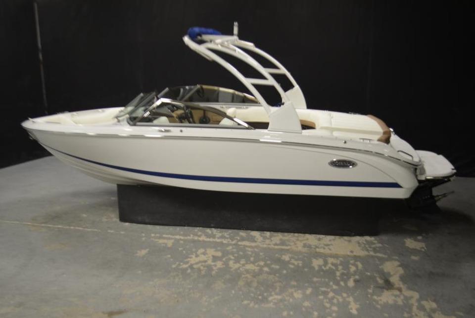 2014 Cobalt 220 Power Boat For Sale Www Yachtworld Com