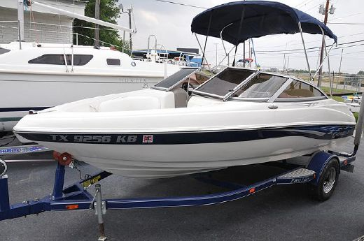 2004 Caravelle 187 Bow Rider