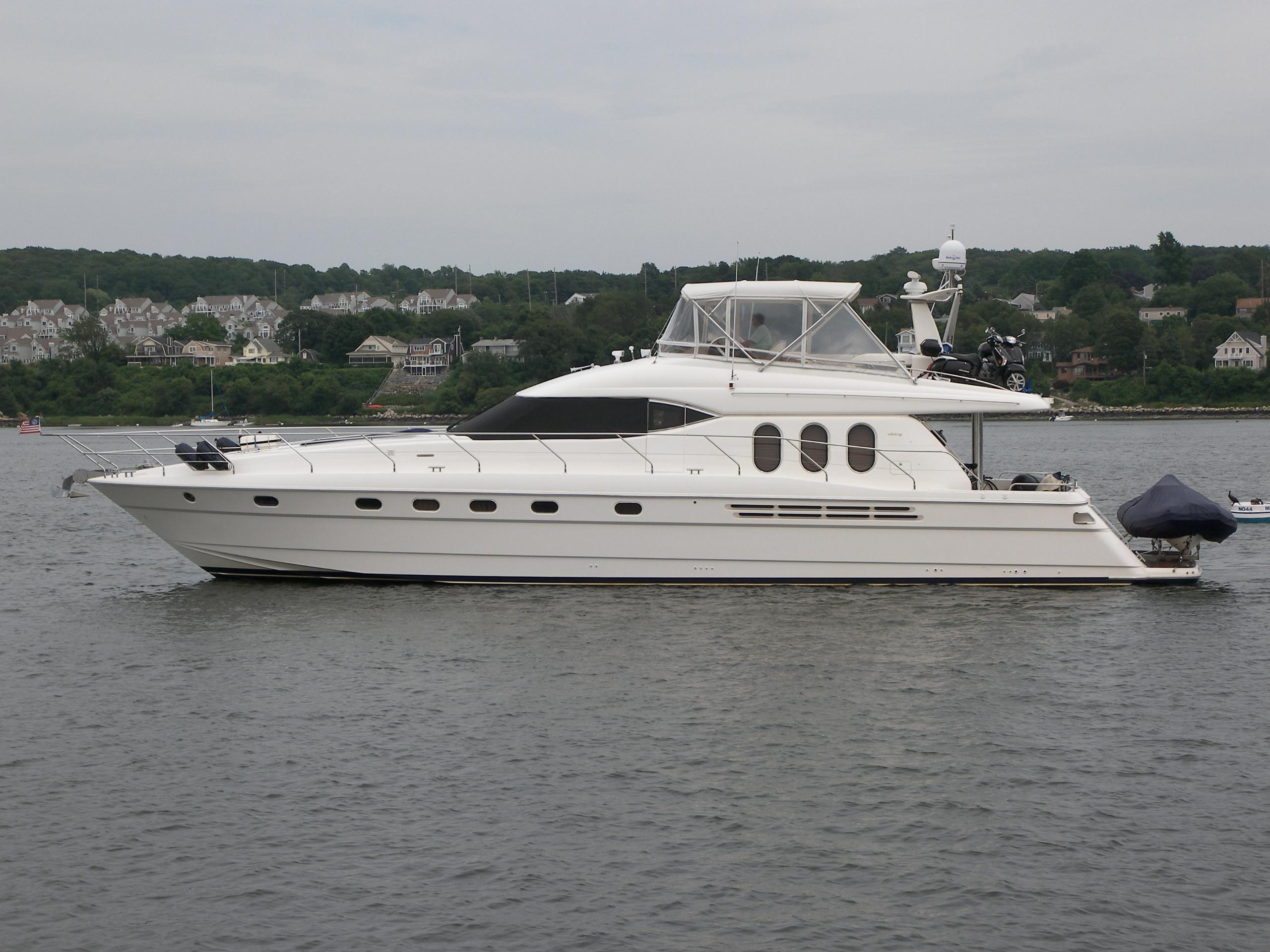2001 Viking Sport Cruisers 68 Motor Yacht Power Boat For