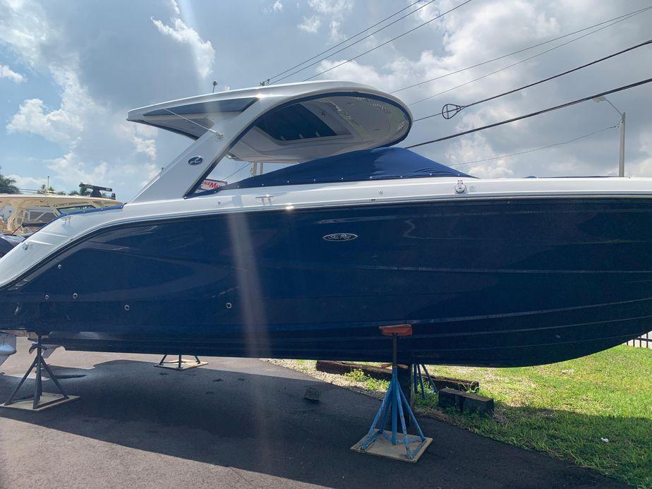 2019 Sea Ray SLX 310 OB Power Boat For Sale - www yachtworld com