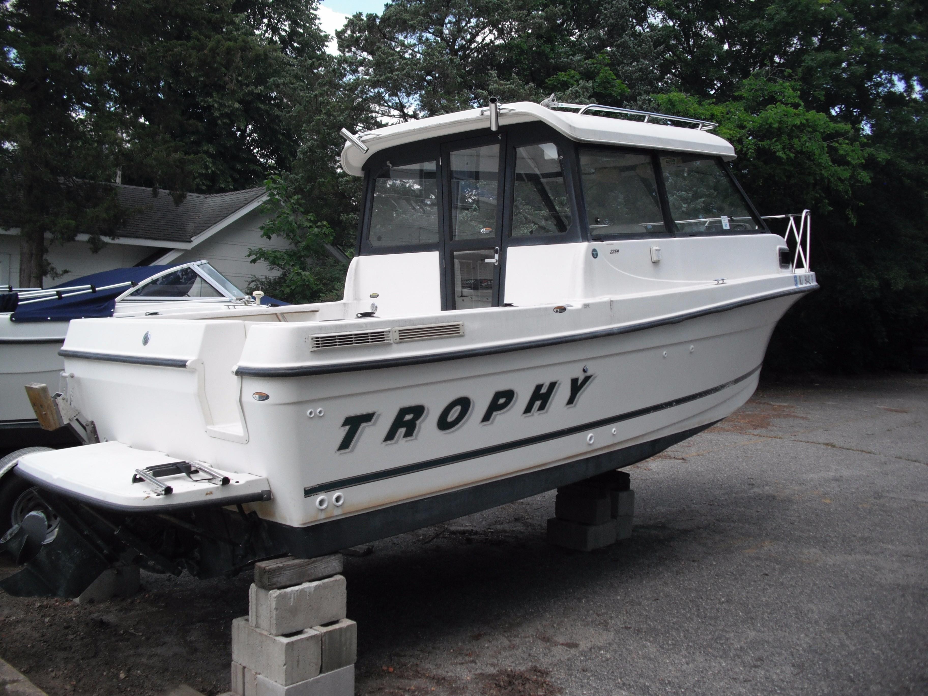 2001 Trophy 2359 Hardtop WA Power Boat For Sale - www.yachtworld.com