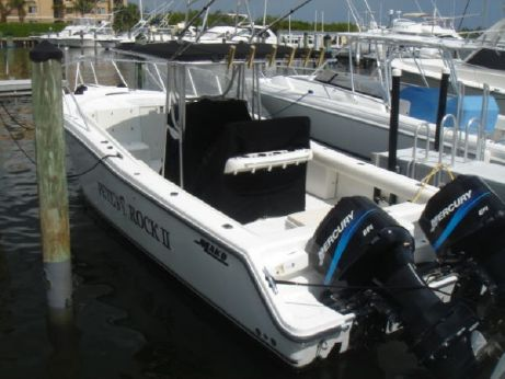 2002 Mako Cuddy Center Console