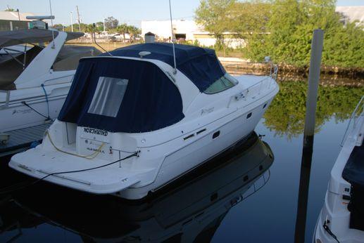 1998 Cruisers Yachts 3375 Esprit