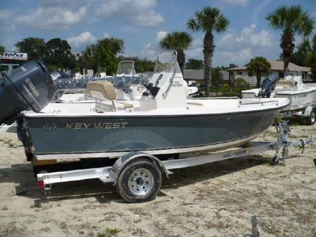 2016 Key West 1720 Center Console
